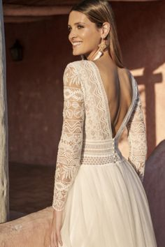 Marylise 2020 Collection - Dreamy dress with top in embroidered tulle with long sleeves and a deep v-neckline. Skirt in tulle to make it extra romantic. Wedding Dress Shopping, Boho Wedding Dress, Boho Dress, Bridal Dresses, Rembo Styling, Bridal Looks, Bridal Style, Yes To The Dress, Stunning Dresses