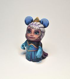Elsa custom vinylmation by Jared Circusbear