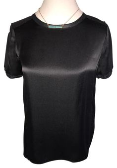 Vince $60 N * W * T Size X * X * S ** Free Shipping ** Black Short Sleeve Silk Tee Top. Free shipping and guaranteed authenticity on Vince $60 N * W * T Size X * X * S ** Free Shipping ** Black Short Sleeve Silk Tee TopThis boxy Vince short sleeve tee top blouse is mad...