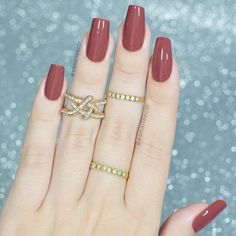 These are the best nail polishes and nail polish brands like OPI, Essie and Wet n Wild that give polished nails a chip-free manicure Great Nails, Perfect Nails, Classy Nails, Trendy Nails, Hair And Nails, My Nails, Nagellack Trends, Super Nails, Nagel Gel