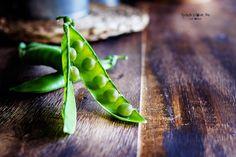 Las legumbres son alimentos muy saludables, nos aportan fibra, hidratos de carbono complejos y apenas tienen grasa. Sin embargo no las consumimos por considerarlas alimentos muy calóricos. Entra al… Fiber, Eating Well, Complex Carbs, Legumes, Fat, Food Items