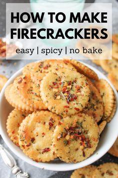 Spicy Ritz Crackers Recipe, Recipes With Ritz Crackers, Spicy Saltine Crackers, Ritz Recipe, Saltine Cracker Recipes, Crackers Appetizers, Homemade Crackers, Easy Appetizer Recipes, Spicy Recipes
