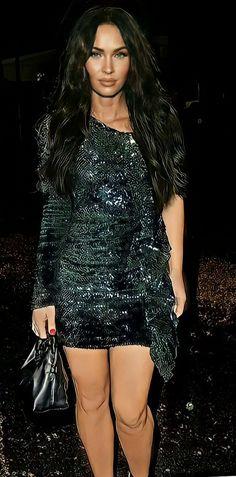 Megan Fox Hot, Megan Denise Fox, Winter Style, Autumn Winter Fashion, Blue Shirt Grey Pants, Madison Beer, Halsey, Red Carpet Looks, Grey Top