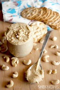 Roasted cashews are blended with organic coconut oil, sea salt and a hint of vanilla creating a tasty and healthy homemade nut butter. Cashew Butter, Butter Recipe, Flavoured Butter, Apple Butter, Peanut Butter, Homemade Butter, Homemade Vanilla, Raw Food Recipes, Cooking Recipes