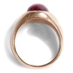 Turmalin für die starke Hand - Massiver Ring aus Roségold & 9,00 ct Rubellit, um 1970. Photo © 2016 Hofer Antikschmuck Berlin