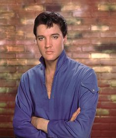 Elvis Aaron Presley - January 1935 Tupelo, Mississippi, U. Elvis Presley Movies, Elvis Presley Photos, Color Splash, Rock And Roll, Are You Lonesome Tonight, Lisa Marie Presley, Star Wars, Graceland, No One Loves Me