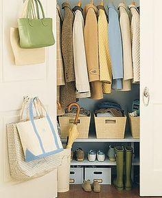 корзинки для одежды в шкафу/baskets for clothes