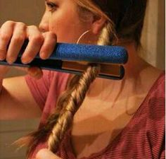 How to curl with a straightener