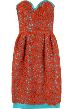 My two favorite colors together on one dress. Hello Wish-List.
