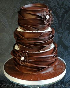 Chocolate Dream Cake - This is the first Chocolate cake I have seen that is beautiful enough for a wedding cake. (oh my cake) Gorgeous Cakes, Pretty Cakes, Amazing Cakes, Chocolate Dreams, I Love Chocolate, Chocolate Flowers, Chocolate Delight, Decadent Chocolate, Chocolate Chocolate
