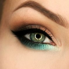 Check out our favorite seaside sunset inspired makeup look. Embrace your cosmetic addition at MakeupGeek.com!