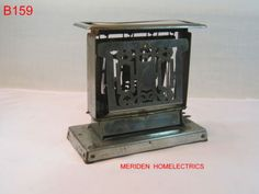 VINTAGE MANNING BOWMAN MERIDEN HOMELECTRICS ART DECO TOASTER APPLIANCE RETRO!!!!!  ON AUCTION THIS WEEK!!!!!!