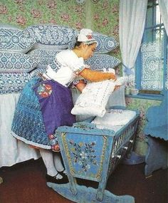 Hungarian Embroidery heavily-decorated crib and pillows Hungarian Embroidery, Learn Embroidery, Embroidery Patterns, My Heritage, Hungary, Artsy Fartsy, Painted Furniture, Cribs, Chain Stitch