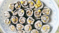 It is easy and safe to make sushi with kids.