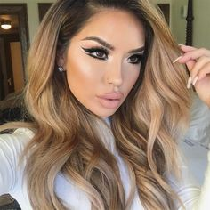 """32.2k Likes, 208 Comments - @iluvsarahii on Instagram: """"Was going for a simple wing liner and ended with with a double ♀️❤️ ____________ Liner: Grandiose…"""" #wingedlinermakeup #doublewingedliner"""