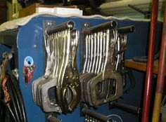 Garage Workshop Maintenance and Workbench Ideas For Garage. Welding Cart, Welding Shop, Diy Welding, Welding Tools, Metal Welding, Welding Beds, Metal Workshop, Workshop Storage, Garage Workshop