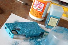 how to glitter any phone case ... this is how I actually have a cute otterbox!! #iphone #diy #glitter