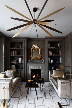 Luxury interior design projects to inspire you how you must decorate your home. This striking interior design ideas will make your home trendy than ever. Living Room Grey, Living Room Interior, Home And Living, Living Room Decor, Small Living, Modern Living, Monochromatic Living Room, Interior Desing, Home Interior