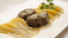 Carrilleras de cerdo con peras Baked Potato, Tapas, Potatoes, Baking, Ethnic Recipes, Food, Tv, Youtube, Lettuce Salads