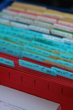 #papercraft #crafting #organization Use a milk crate and file folders for Project Life organization.