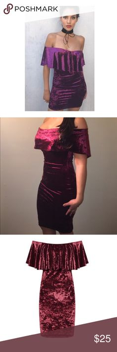 🎄burgundy strapless dress 🎄 Brand new dress super cute. Great for a xmas party, stretchy material hold everything in very nicely 😬 Dresses Midi