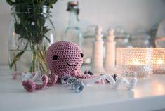 Virkattu meduusa lelu vauvalle / Crocheted jellyfish for baby