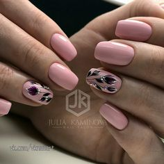 Fashionable manicure for the summer of 2019 - trends, new gel polishes and decor May Nails, Hair And Nails, Nail Polish Art, Diy Nail Designs, Flower Nail Art, Nagel Gel, Super Nails, Beautiful Nail Designs, Cute Acrylic Nails