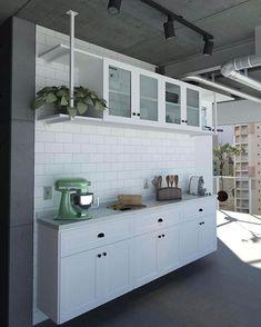 WEBSTA @ karolpinheiro - Estaria eu sonhando? Esse é o projeto que o arquiteto do @apartamento_203 fez para a nossa cozinha! Lá no @jardimnocimento postei a visão completinha dela. Sério, totalmente apaixonada (vou até aprender a cozinhar... tá, mentira! Hahaha)