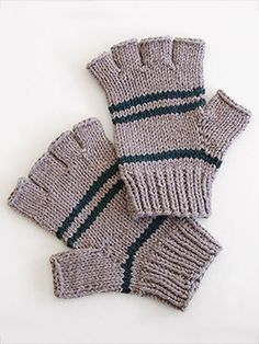 Spud & Chloë — Patterns » Manly Fingerless Gloves. Great father's day gift idea! Knit with our Sweater yarn.