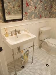 Bath room tiles wall apartment therapy ideas for 2019 Room Tiles, Bathroom Floor Tiles, Bathroom Renos, Bathroom Ideas, 1920s Bathroom Wallpaper, Tile Floor, Bathroom Renovations, Floor Sink, Classic Bathroom