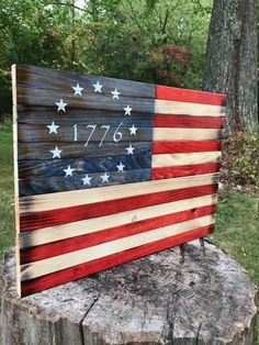 1776 Flag - Betsy Ross Flag - American Flag - Wood Flag - Wood American Flag - US Flag - Rustic Flag - Wooden Flag - Rustic Wood Flag - Flag by JWCraftsmanStore on Etsy American Flag Painting, American Flag Pallet, American Flag Wall Art, Rustic Wooden American Flag, Pallet Flag, Wood Flag, The Beast, Memorial Day, Patriotic Decorations