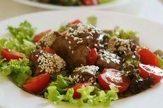 Вкусный салат с куриной печенью под кисло-сладкой заправкой понравится даже тем, кто печень не сильно любит. Этот куриный салат можно относить в список простых в приготовлении блюд по низкой себестоимости. Salad Bar, Cobb Salad, Appetizer Salads, Appetizers, Cooking Recipes, Healthy Recipes, Desert Recipes, Low Carb Diet, Salad Recipes