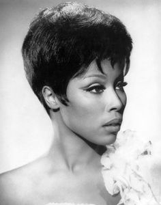 """Diahann Carroll broke television barriers as the first African-American woman to star as a non-domestic in her own television show, """"Julia"""". In she was the first African-American woman to win a Tony Award for her role in the musical """"No Strings. Diahann Carroll, Black Actresses, Black Actors, Divas, Timeless Beauty, Classic Beauty, Black Beauty, Iconic Beauty, Women In History"""