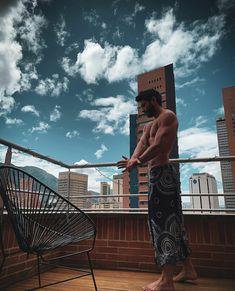 Sebastian Carvajal Justice League, Louvre, Instagram, Building, Travel, Exercise Workouts, Actresses, Artists, Fotografia