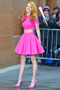 Bella Thorne in total Pink. I think this was my favorite 💗🌸🌺 Sexy Outfits, Girl Outfits, Bella Thorne And Zendaya, Bella Throne, Mode Kawaii, Vintage Outfits, Kristin Kreuk, Beautiful Celebrities, Beautiful Women