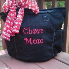 #Cheer Mom! Show your pride everywhere you go with the Retro Metro bag from Thirty-One. www.mythirtyone.com/madisonbell