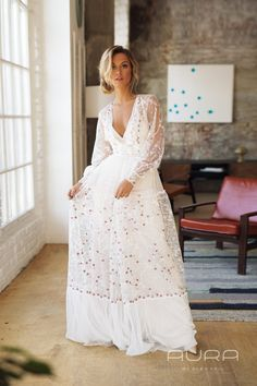 Wedding dress 'NATHALIE' // Unique rustic wedding dress, boho wedding dress, special bridal gown All our gowns are designed to feel lightweight and easy-to wear, be comfortable and grant you freedom of movement. Rustic Wedding Dresses, Modest Wedding, Dream Wedding Dresses, Boho Wedding Dress, Boho Dress, Wedding Gowns, Blue Wedding, Elegant Wedding, Fall Wedding