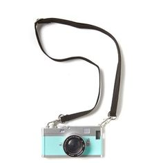 vintage camera phone cover 5 (205 NOK) ❤ liked on Polyvore