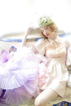 *staff* photo; Yusuke Iida hair & make-up; Tomofumi Itokawa (ants) styling; Hiroko Tsurumi (bliss) model; kate howat (Cinq Deux Un)