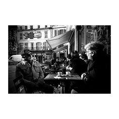#streetshot #street #people #market #coffee #terrace #LaRochelle #france #streetlife #oldpeople #talking #life #bw #blackandwhite #landscape  #analog #argentique#lomography #ishootfilm #filmisnotdead #believeinfilm #lomo #filmphotography #35mm #lomolca #kodak #simplemoments #liveauthentic #lifestyle