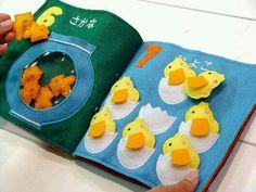 Livro educativo em feltro