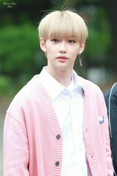 From breaking news and entertainment to sports and politics, get the full story with all the live commentary. Felix Stray Kids, 365days, Fandom, Kid Memes, Lee Know, Kpop Boy, Bias Wrecker, K Idols, Mixtape