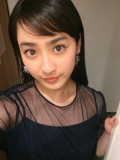 Too beautiful girl… Girls Gallery, New Girl, Asian Girl, Kawaii, Japan, Lady, Womens Fashion, Beautiful, Beauty