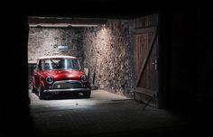 Bright red Classic Mini Cooper in a wooden shed Mini Cooper Classic, Classic Mini, Red Mini Cooper, Classic Cars, My Dream Car, Dream Cars, Automobile, Mini Clubman, Mini S