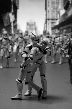 Des photographies et affiches de films recréés avec des personnages de Star Wars