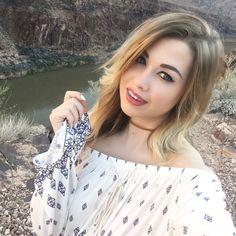 Hello ! Je m'appelle Marie Lopez, j'ai 21 ans, et je partage mes petits instants de vie, mes voyages, mes recettes et mes passions, avec beaucoup de fun ! Re...