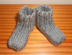 pantoufle chausette tricoter a la broche - Recherche Google