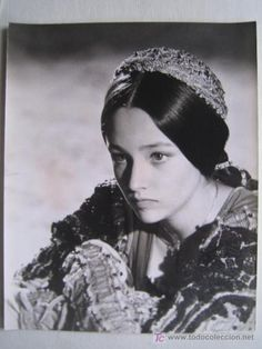 Olivia Hussey and Leonard Whiting in 'Romeo and Juliet' Olivia Hussey, William Shakespeare, Hades Greek Mythology, Film Romeo And Juliet, Leonard Whiting, Romeo Und Julia, Beautiful Fantasy Art, Hooray For Hollywood, Great Love Stories