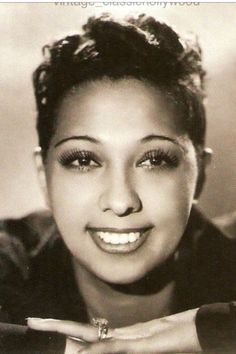 Josephine Baker, a graceful lady