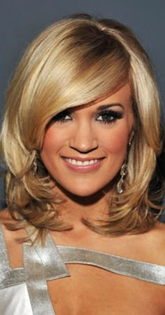 Carrie Underwood was born on March 1983 in Checotah, Oklahoma, USA as Carrie Marie Underwood. She has been married to Mike Fisher since July . Best Bob Haircuts, Medium Bob Hairstyles, Work Hairstyles, Pretty Hairstyles, Layered Hairstyles, Modern Hairstyles, Everyday Hairstyles, Hairstyle Ideas, Medium Hair Styles